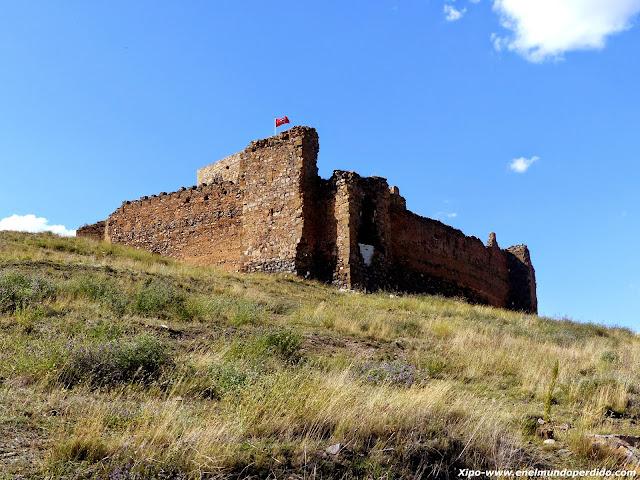torre-del-homenaje-castillo-trasmoz.JPG