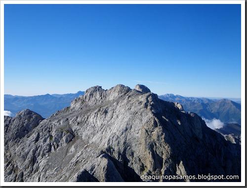 Jito Escarandi - Jierru 2424m - Lechugales 2444m - Grajal de Arriba y de Abajo (Picos de Europa) 0066