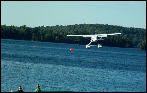 Seaplane fly in 083