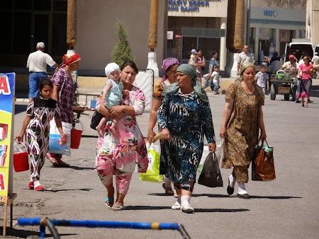 07. Piata in Uzbekistan.JPG