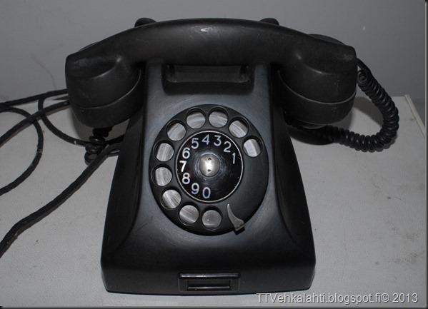vanha puhelin erigson 001