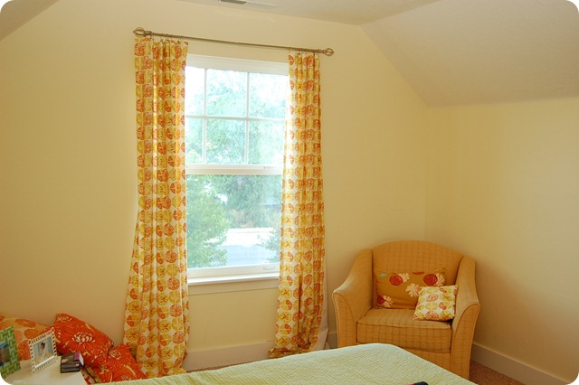 roman shades in guest room (15)