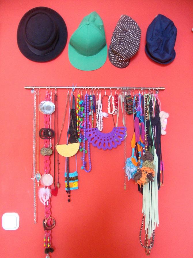 organizing jewelry