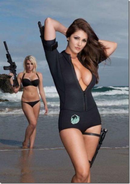 hot-women-guns-7