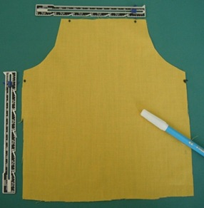 doll apron step 5