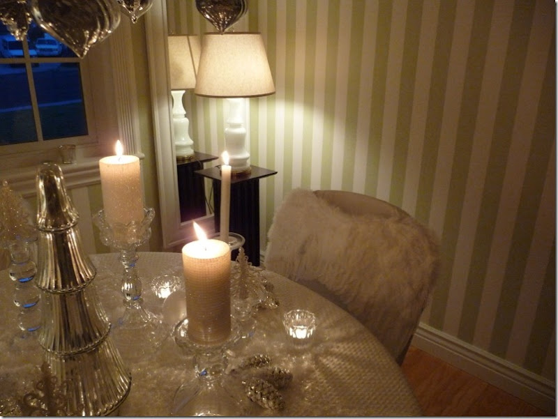 Christmas dining room 2011 angel wings 032 (800x600)