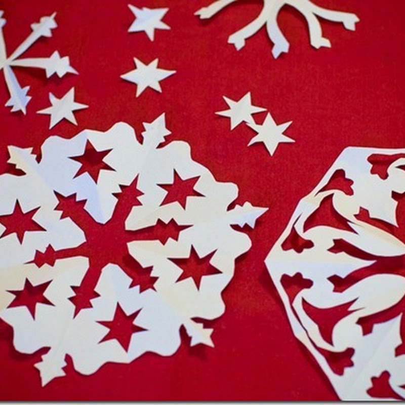 Snowflake minimal cake decorating
