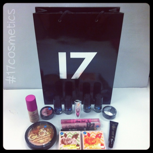17 Cosmetics Twitter Party Goody Bag (1)