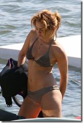 miley cyrus bikini_11