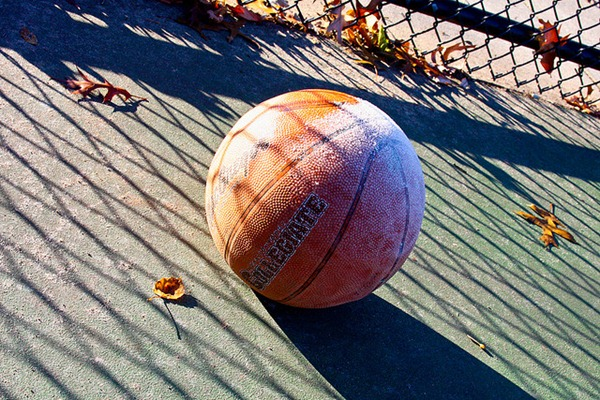 Amazing Unusual Frost Shadows in Basketball