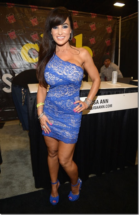 exxxotica-2013-girls-23