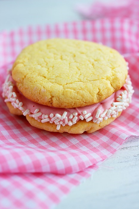 CakeMixCookieSandwiches (1)