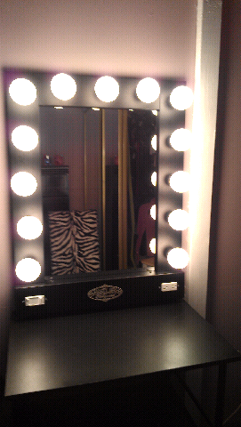 Old Hollywood Vanity Lights : ...just a dOLLz thoughts...: My Vanity Girl Hollywood Mirror