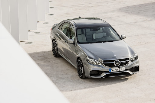 Mercedes-Benz-E-63-AMG-07.jpg