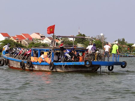 34. Ferry in Hoian.JPG