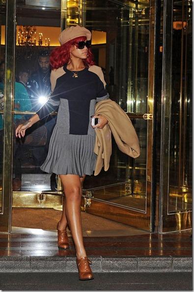 Rihanna Rihanna Leaves Hotel eUzKgFp8tvYl