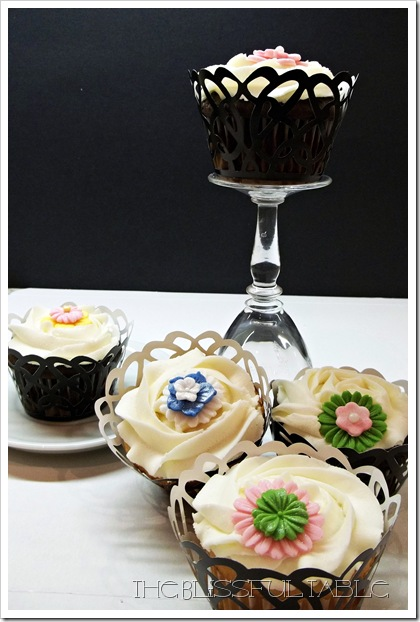 cupcakes with flowers 044a