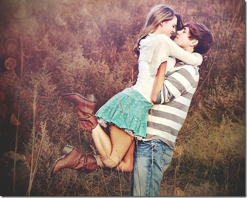 cute_love_couple_feild_close_kiss-52269710754632f280cd9177a1c0a75d_h_large