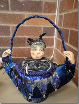 20.03.12 Lyn L teapot doll