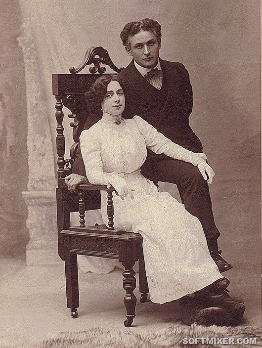 Houdini-Bess-Cabinet