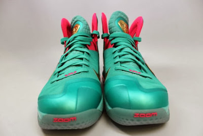 nike lebron 9 ps elite statue of liberty pe 5 02 It Takes $12,900 To Own Two Pairs of Rare LeBron 9 PS Elite PEs