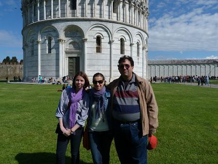 Andreea Lascu, Ana Maria Smadeanu si eu la Pisa