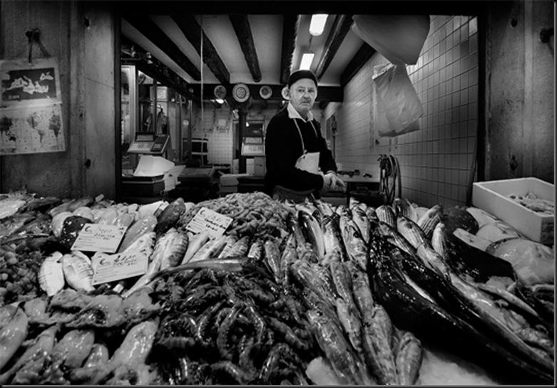 Fish Market by Antonio Grambone