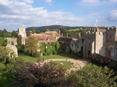 قلعة أمبرلي في إنجلترا