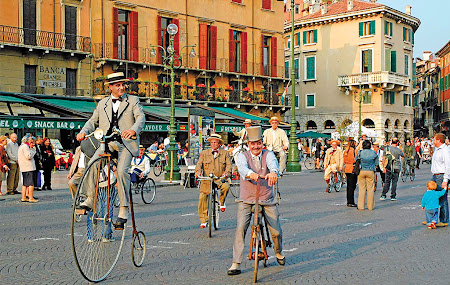 Italian bicycle rides in the center of Verona
