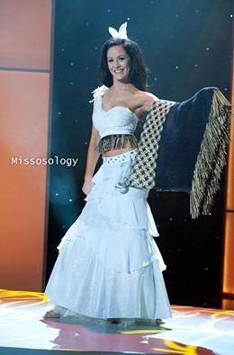 miss-uni-2011-costumes-40