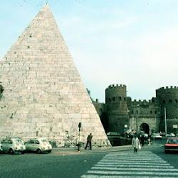 48.- Tumba de Cayo Sextio, Roma.