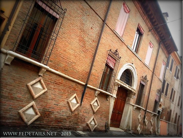 Dettagli in Via Ariosto, foto 1, Ferrara, Emilia Romagna, Italia - Details in  Ariosto street, photo 1, Ferrara, Emilia Romagna, Italy - Property and Copyrights of FEdetails.net