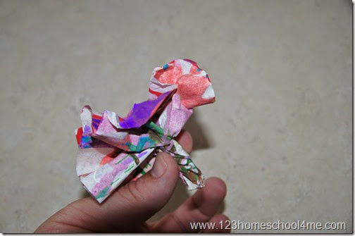 step by step directions to make a salad spun flower craft for kids