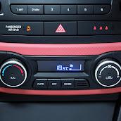 Yeni-Hyundai-i10-2014-39.jpg