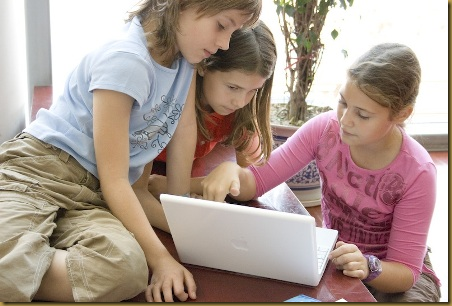 Εξειδικευμένο e-learning πρόγραμμα εκμάθησης της μακεδόνικης γλώσσας για τους Μακεδόνες που ζουν στην Ελλάδα.