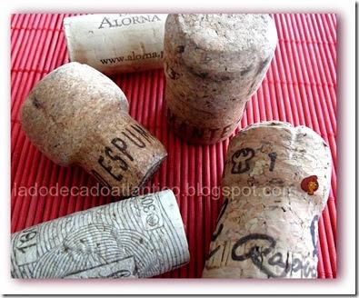 Imagem de rolhas de vinho e de espumante feitas com cortiça