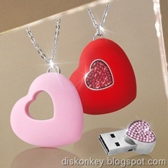 Crystal Heart USB flash drive