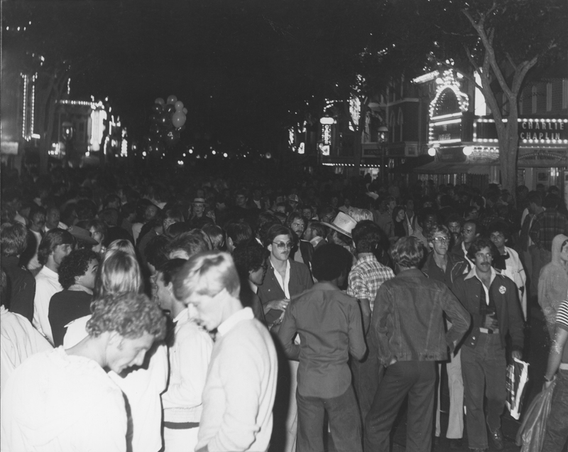 Crowd enjoys Gay Night at Knott's Berry Farm. 1978.