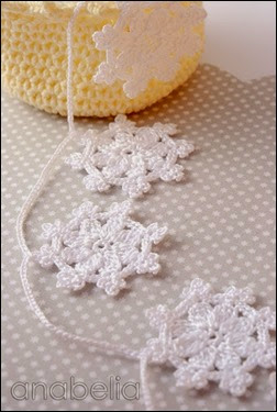 Crochet-snowflakes-garland-1