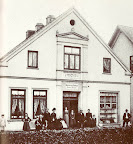 Bahnhofstr. 117 1904. G. Seedorf, aus: H. Siewert Rund um den Scharmbecker Marktplatz - damals. Verl. H. Saade, 1983.