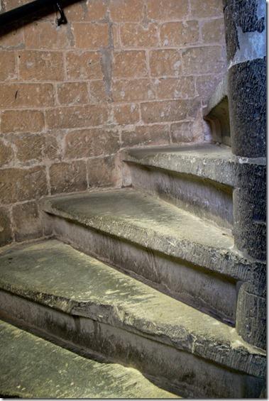 聖ロンバウツ大聖堂の鐘楼へ登る階段