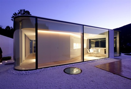 fachada-moderna-casa-Lago-de-Lugano-JM-arquitectos