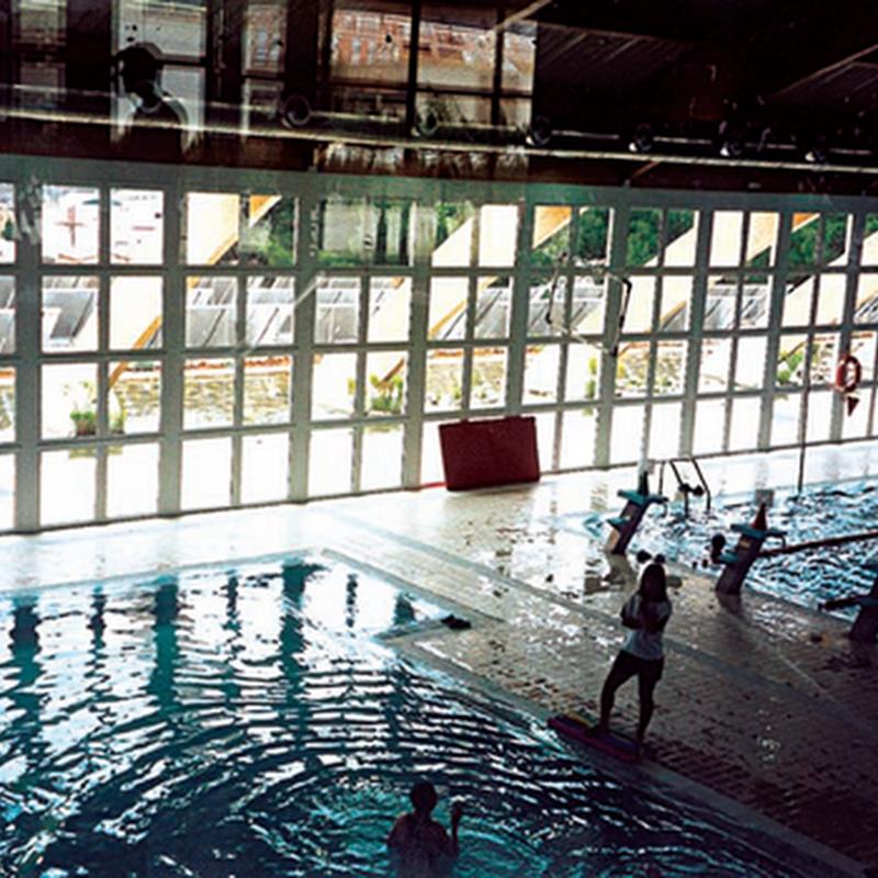 Utilización de energía solar térmica en un centro acuático de piscinas cubiertas para personas con discapacidad