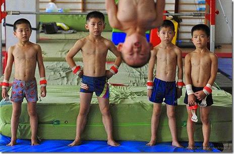 photobomb-funny-ninja-035