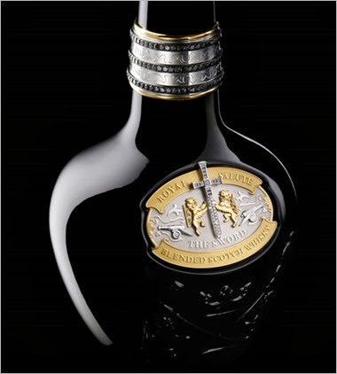 2_Royal-Salute-Tribute-To-Honour_Bottle