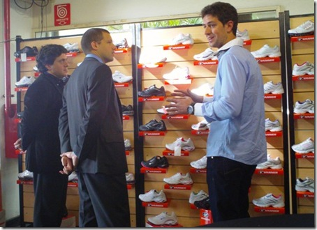 Juan Pablo de Jesús visitó la Feria Nacional de la Industria del Calzado y se reunió con empresarios textiles