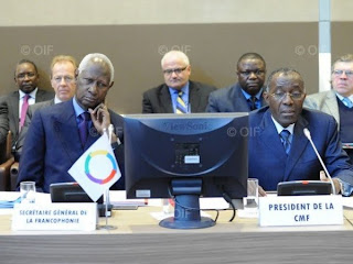 Abdou Diouf, Secrtaire gnral de la Francophonie et Raymond Tshibanda, Prsident de la Confrence ministrielle de la Francophonie, ministre de la Coopration internationale et rgionale de la RDC,  loccasion de la 27e session de la CMF. Cyril Bailleul / OIF
