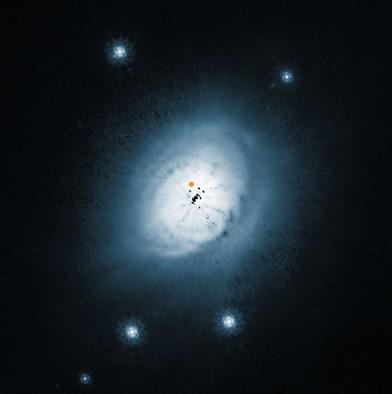 disco de poeira ao redor da estrela HD100546