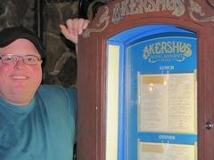 Disney trip Tommy Akershus sign2