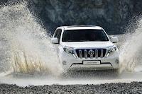 2014-Toyota-Land-Cruiser-Prado-13.jpg